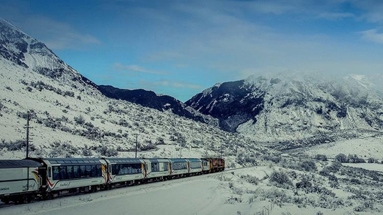 LAST DAY - TranzAlpine Return Rail Trip incl. 1 or 2 Nights' Accomm at Kingsgate Hotel or Holiday House + an Activity Tour or Vehicle Hire