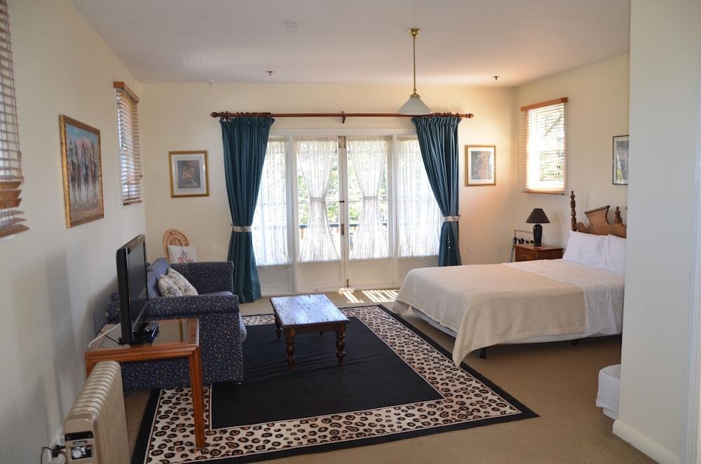 image 1 at Leura House by 7 Britain Street Leura NSW New South Wales 2780 Australia