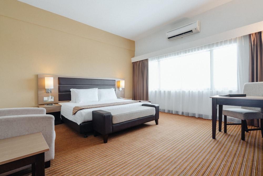 image 1 at Raia Hotel & Convention Centre Terengganu by Jalan Lapangan Terbang Gong Badak Kuala Terengganu Terengganu 21300 Malaysia