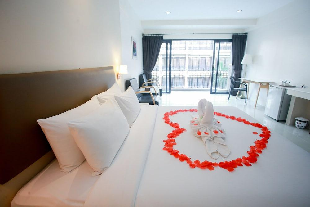 image 1 at Summer Tree Hotel by 90/55 Chaloem Phrakiat Ratchakan Thi 9 Rd., Dokmai, Prawet Bangkok 10250 Thailand