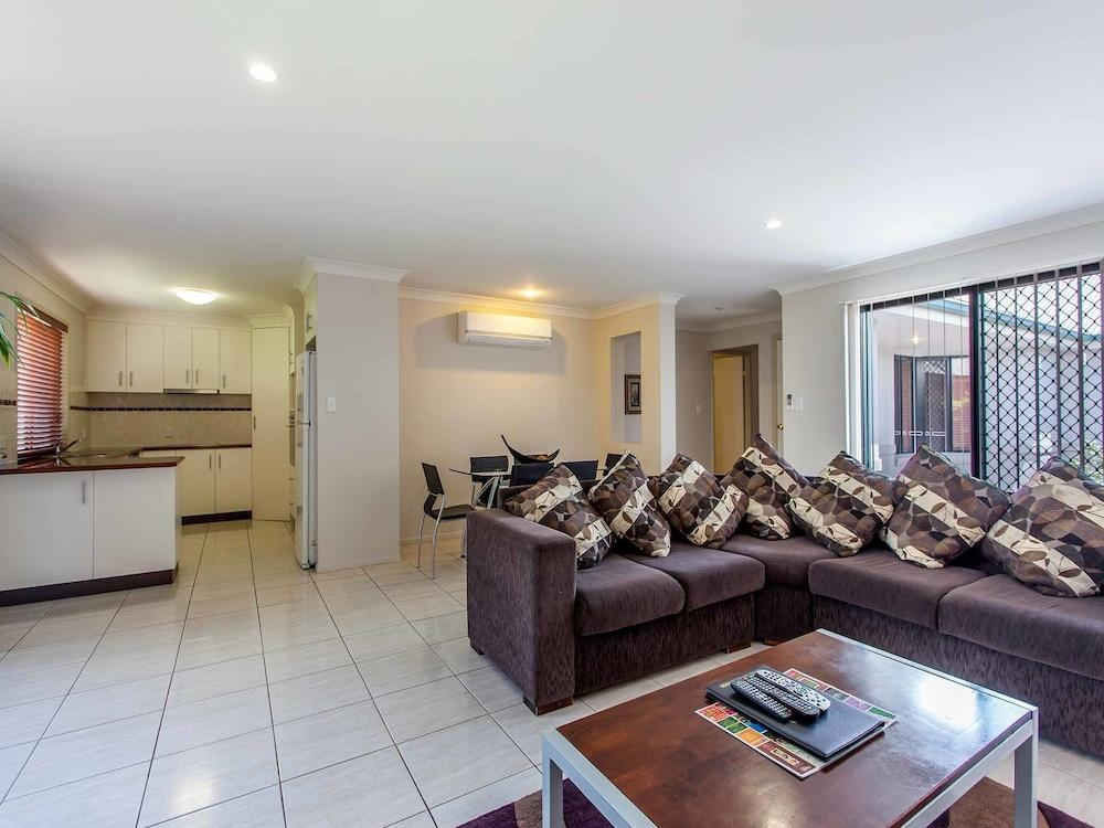 image 1 at Annand Mews Serviced Apartments by 53 Drayton Road Harristown QLD Queensland 4350 Australia