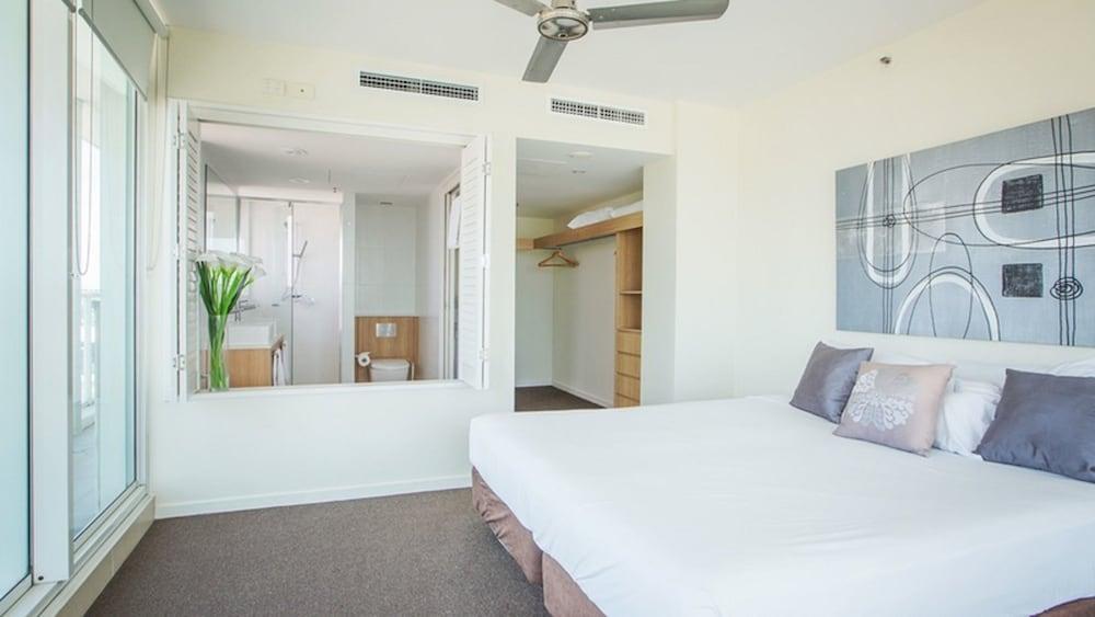 image 1 at Lanai Riverside Apartments by 20 River Street Mackay QLD Queensland 4740 Australia