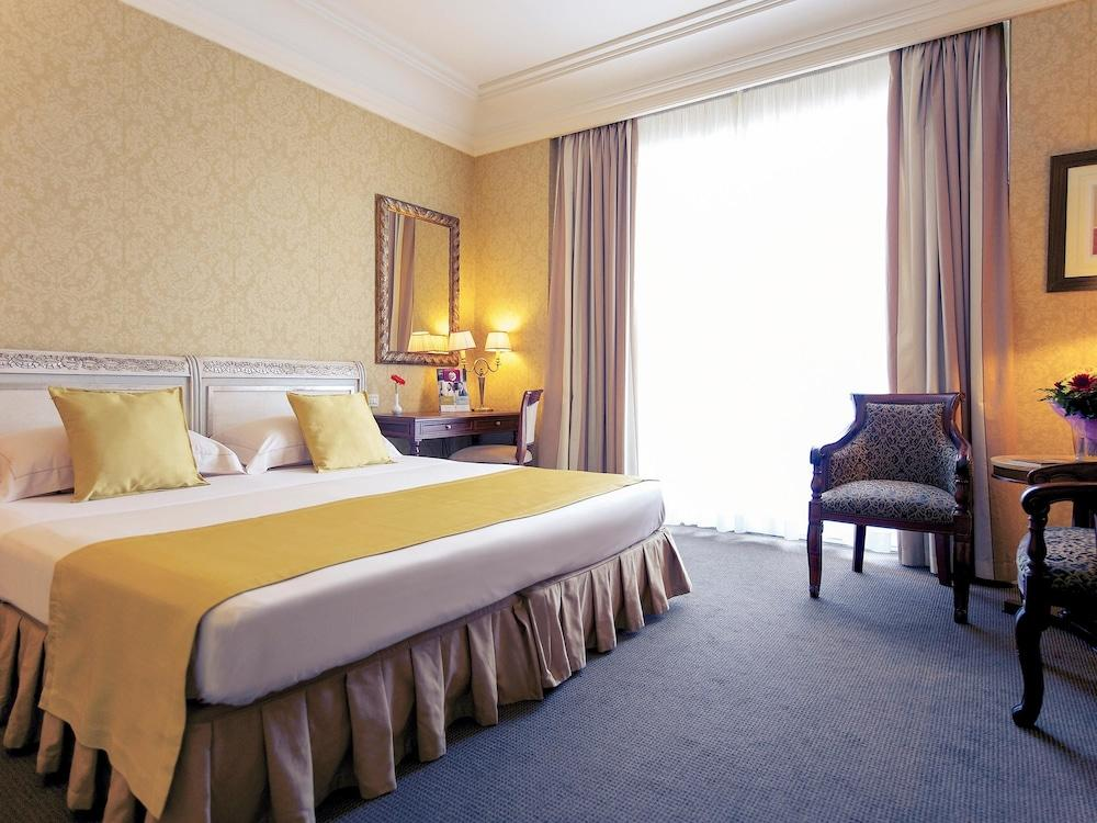image 1 at Mercure Catania Excelsior by Piazza Giovanni Verga 39 Catania CT 95129 Italy