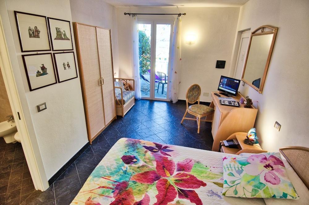 image 1 at Cinqueterre Residence by Via De Battè 67F Riomaggiore SP 19017 Italy