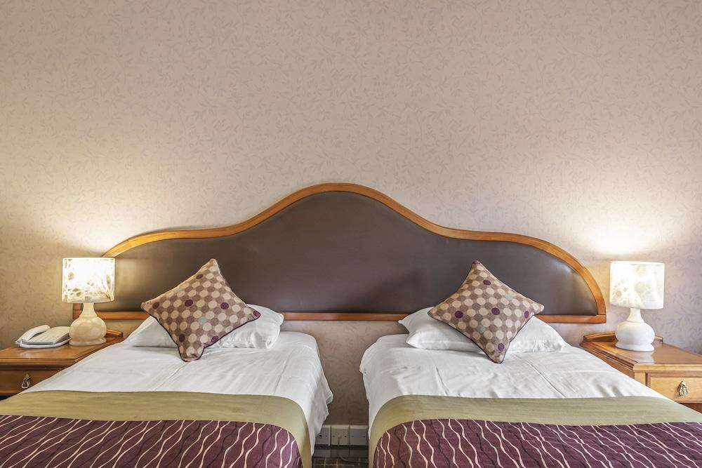 image 1 at The Coppid Beech Hotel by John Nike Way Bracknell England RG12 8TF United Kingdom