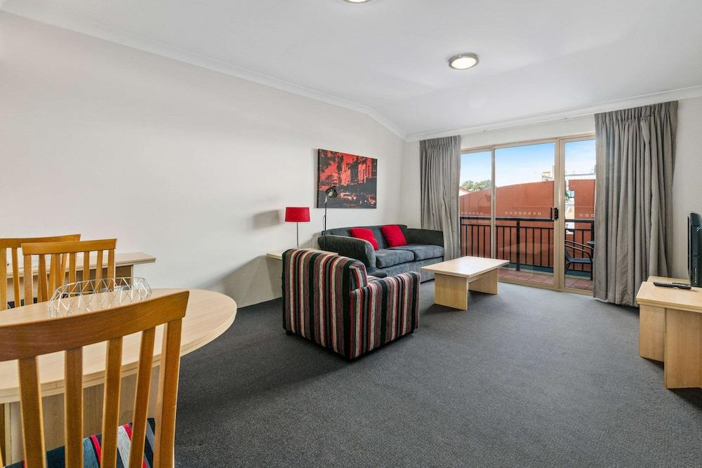 image 1 at Quality Apartments Camperdown by 23-33 Missenden Road Camperdown NSW New South Wales 2050 Australia