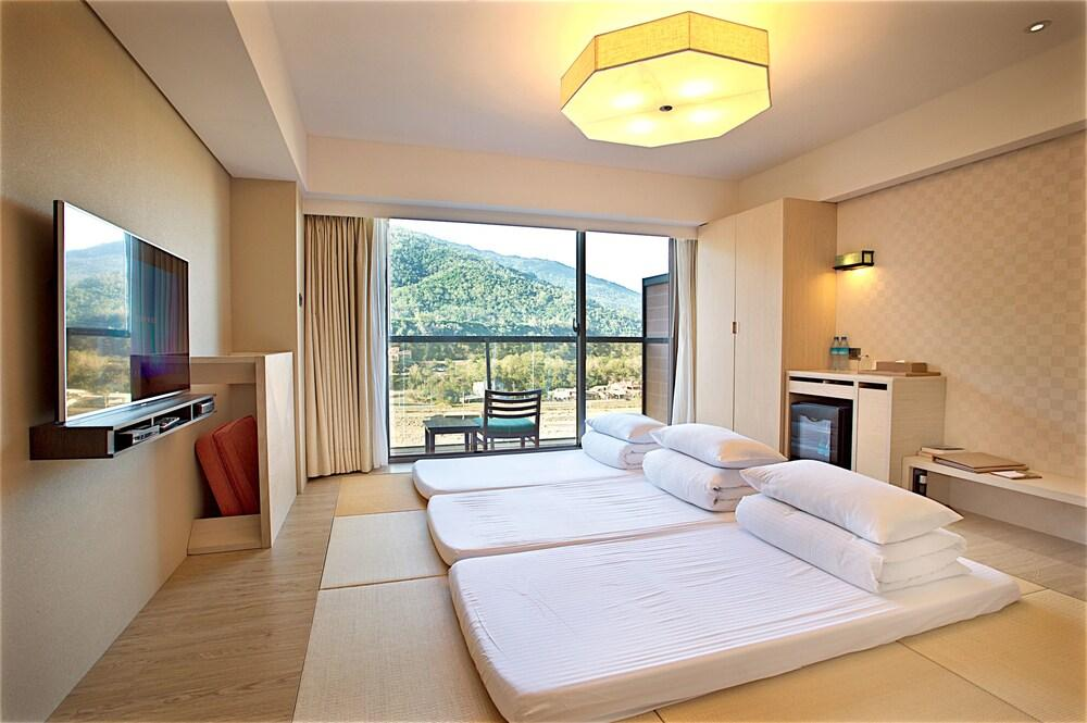 image 1 at Chihpen Century Hotel by No.30 Longquan Road Beinan Taitung County 954 Taiwan