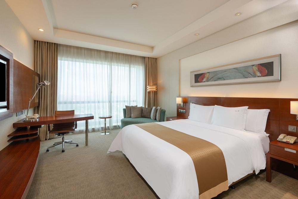 image 1 at Holiday Inn Shanghai Pudong Kangqiao, an IHG Hotel by No.1088 Xiuyan Road, Pudong New Area Shanghai Shanghai 201315 China