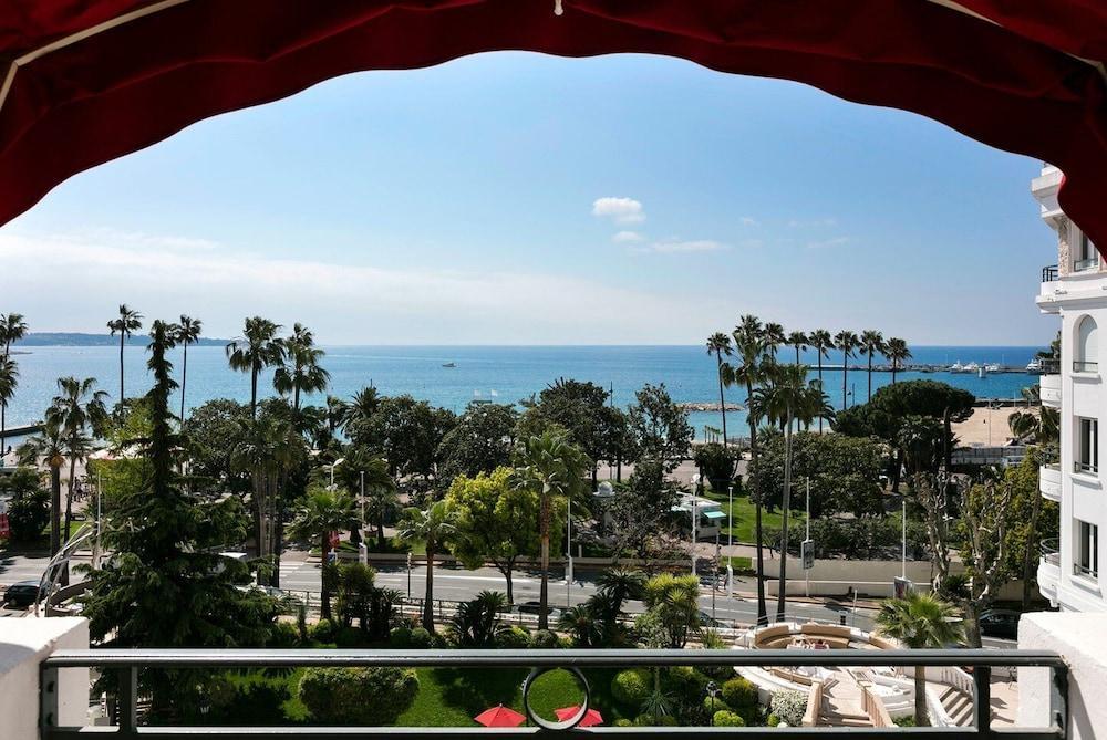 image 1 at Hôtel Barrière Le Majestic Cannes by 10, La Croisette Cannes Alpes-Maritimes 6407 France