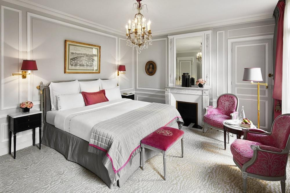image 1 at Hôtel Plaza Athénée - Dorchester Collection by 25 Avenue Montaigne Paris Paris 75008 France