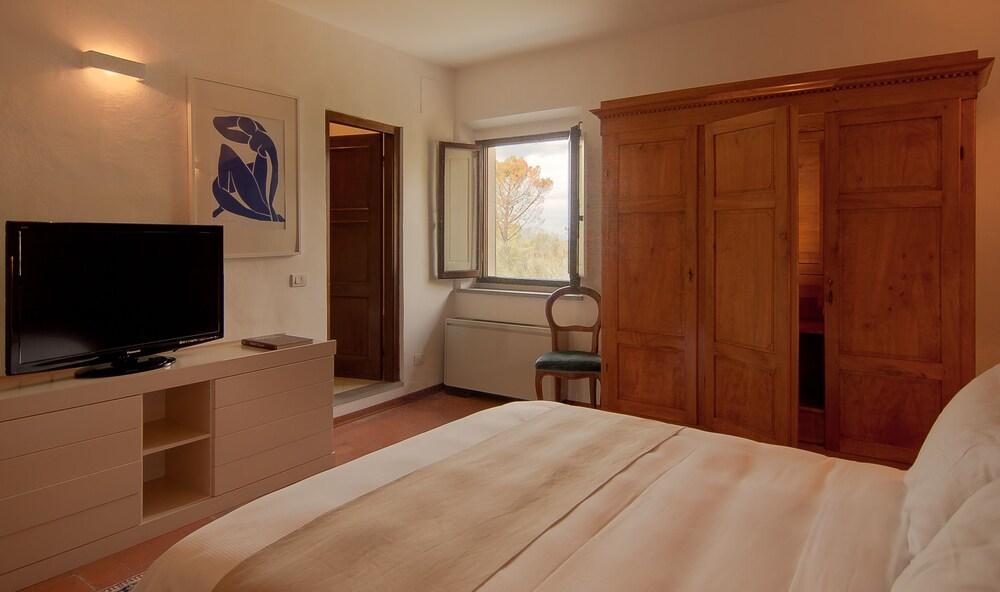 image 1 at Villa I Barronci Resort & Spa by Via Sorripa 10 (GPS: Via Empolese) San Casciano in Val di Pesa FI 50026 Italy