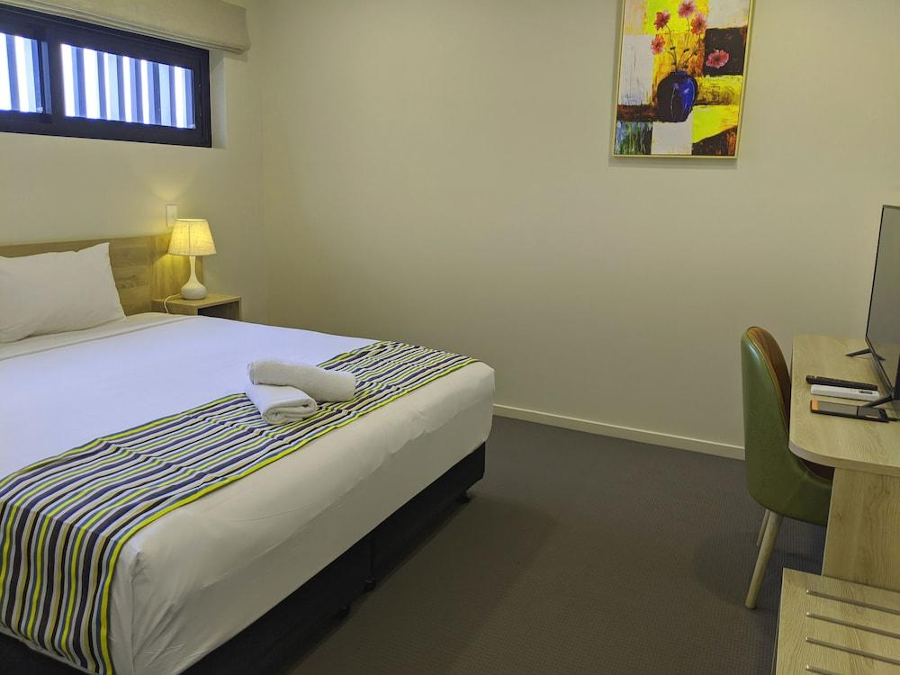 image 1 at The Windsor Apartments and Hotel Brisbane by 186 Lutwyche Rd Windsor QLD Queensland 4030 Australia