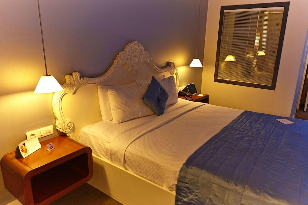 image 1 at Beyond Hotel - Boutique Class by 1376 Sok.No: 5 Kizilay CAD Izmir Izmir 35220 Turkey