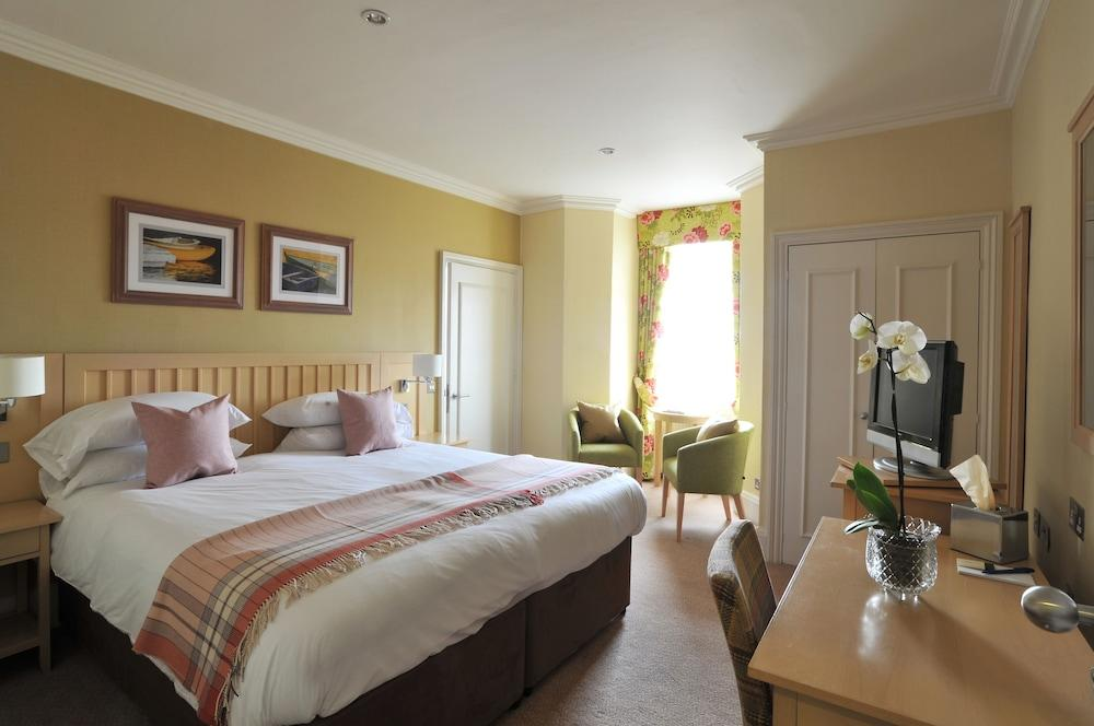 image 1 at The Brudenell Hotel by The Parade Aldeburgh England IP15 5BU United Kingdom