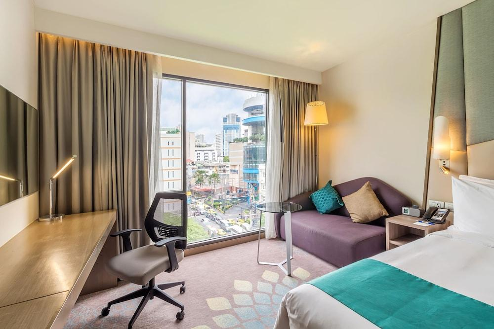 image 1 at Holiday Inn Express Bangkok Sukhumvit 11, an IHG Hotel by 30 Sukhumvit Soi 11, Klongtoey-Nua Wattana Bangkok Bangkok 10110 Thailand