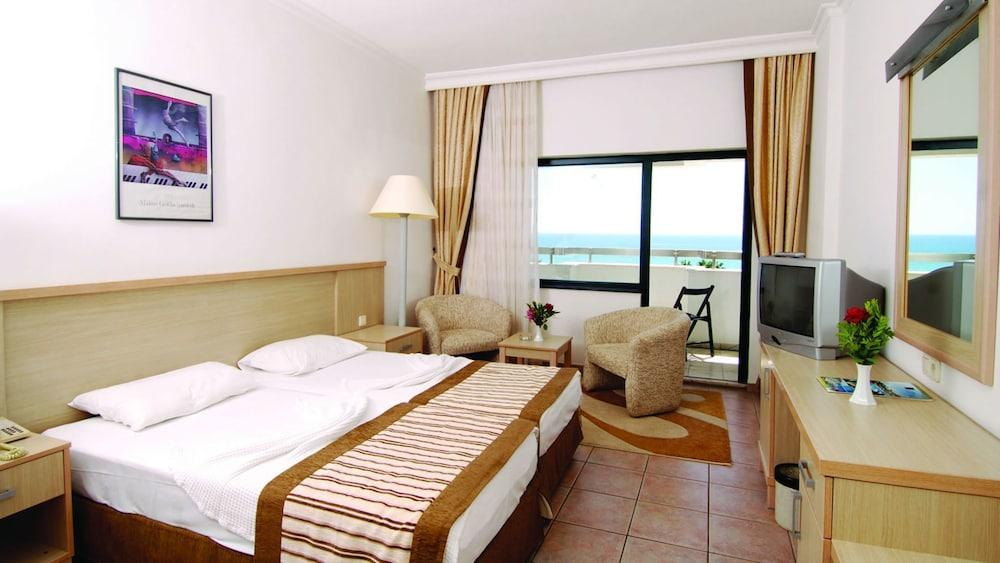 image 1 at Sural Saray Hotel - All Inclusive by Colakli Turizm Beldesi Colakli Side Antalya 07600 Turkey