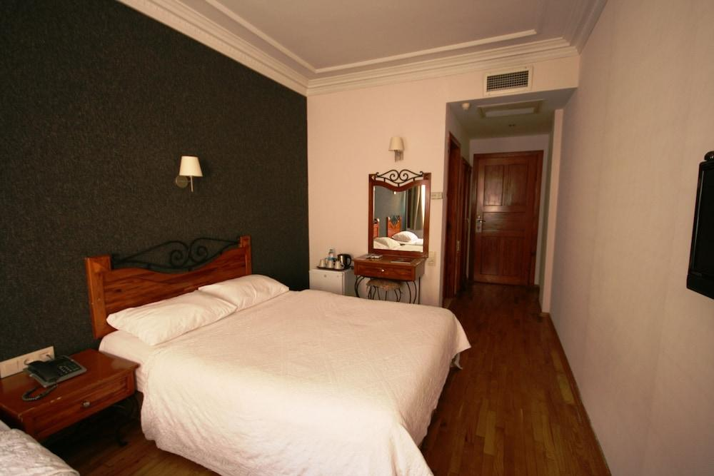 image 1 at Armagrandi Spina Hotel by Utangac Sokak No: 19 Sultanahmet Istanbul Istanbul 34122 Turkey