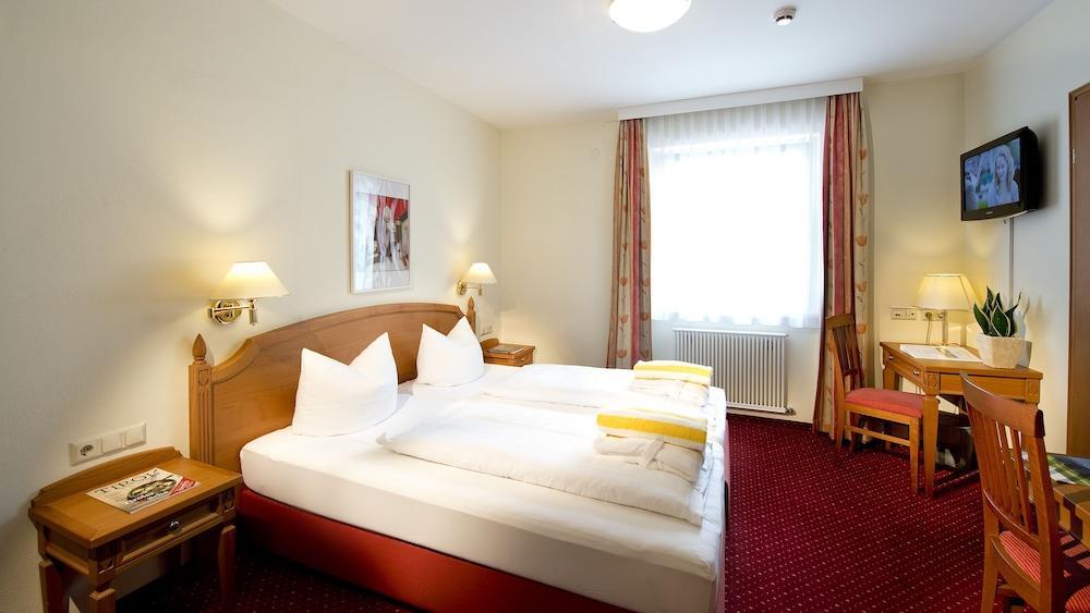 image 1 at Ferienhotel Moarhof by Moarfeldweg 18 Lienz Tirol 9900 Austria