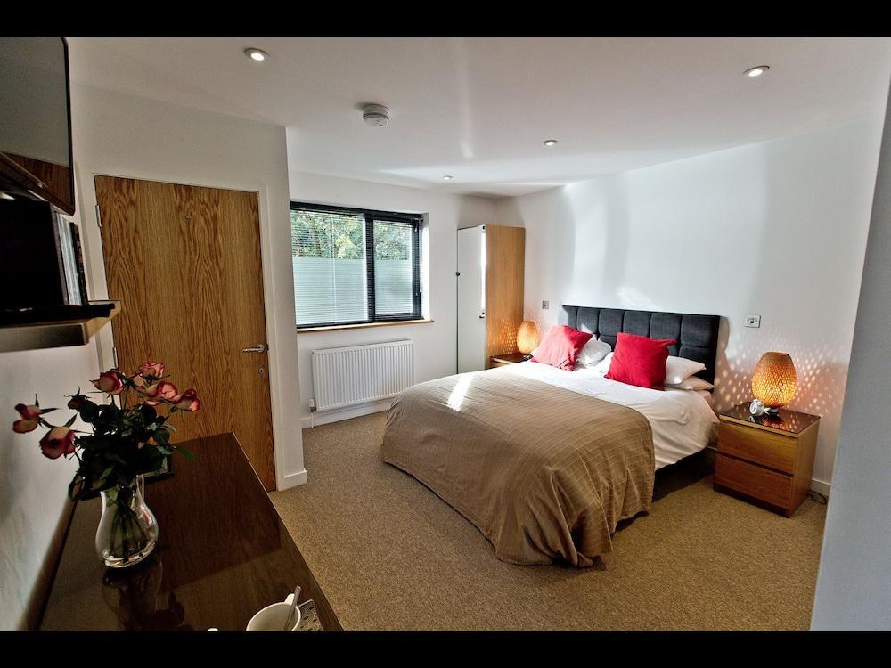 image 1 at The Cedars B&B by 4 Bathford Hill \N Bath England BA1 7SL United Kingdom