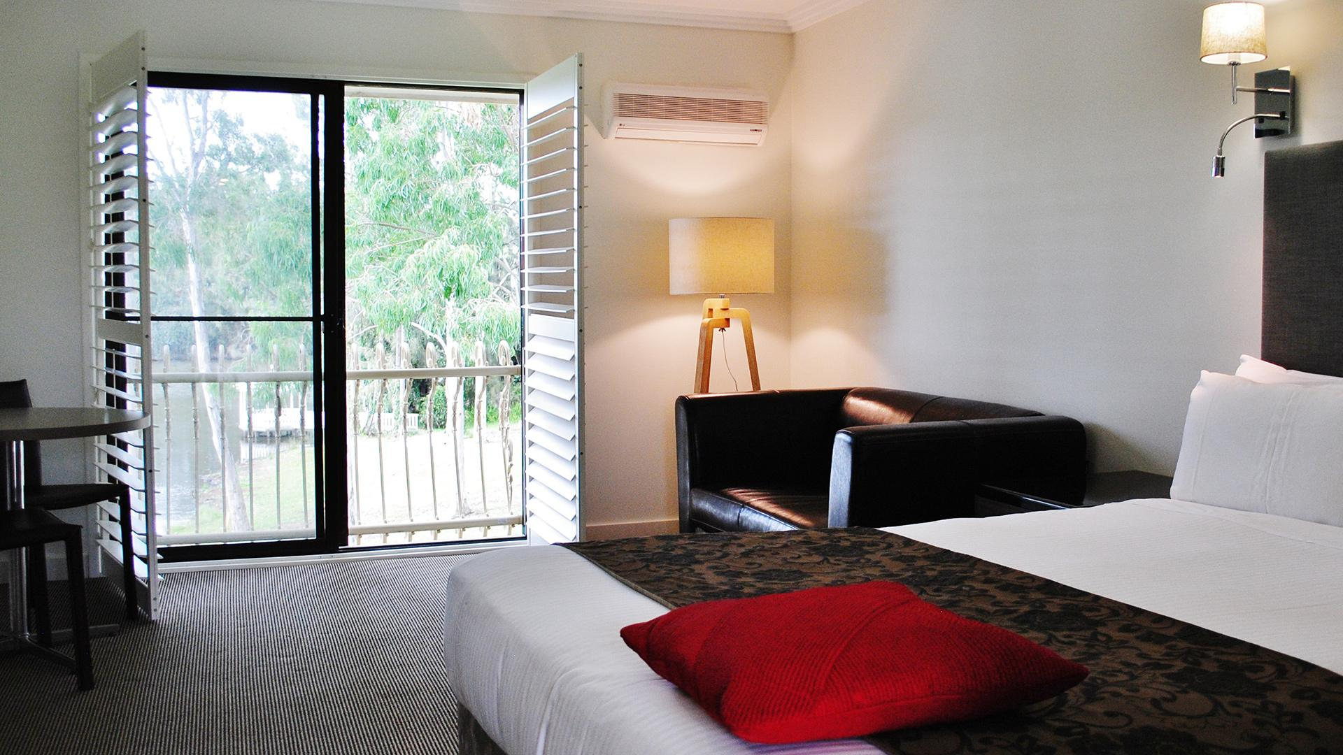 Queen Executive Room image 1 at Lincoln Downs Resort, Batemans Bay BW Signature Collection by Best Western by Eurobodalla Shire Council, New South Wales, Australia