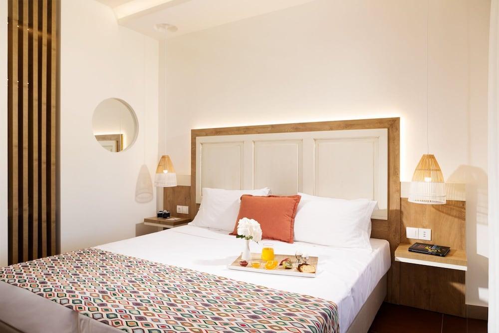 image 1 at Kalypso Hotel by Ariadnes 5 Malia Crete Island 70007 Greece