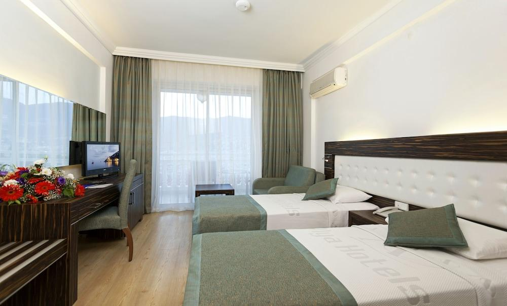 image 1 at Sunny Hill Alya Hotel - All Inclusive by Carsi Mah. Kemal Ozbayri Sok. No.1 Alanya Antalya 07400 Turkey