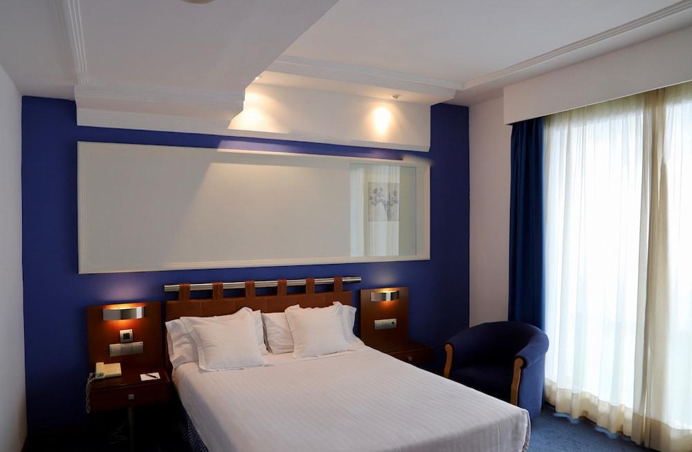 image 1 at Hotel Olid by Plaza San Miguel 10 Valladolid Valladolid 47003 Spain