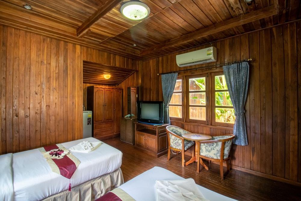 image 1 at Yuwadee Resort by 42/14 Moo 1, Soi Chao Fa 3 Chao Fa East Rd., CHalong, Muang Chalong Phuket 83000 Thailand