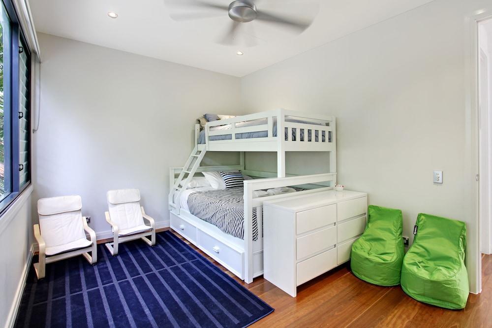 image 1 at Ocean View @ Kiah by 7/17 Cavvanbah Street Byron Bay NSW New South Wales 2481 Australia