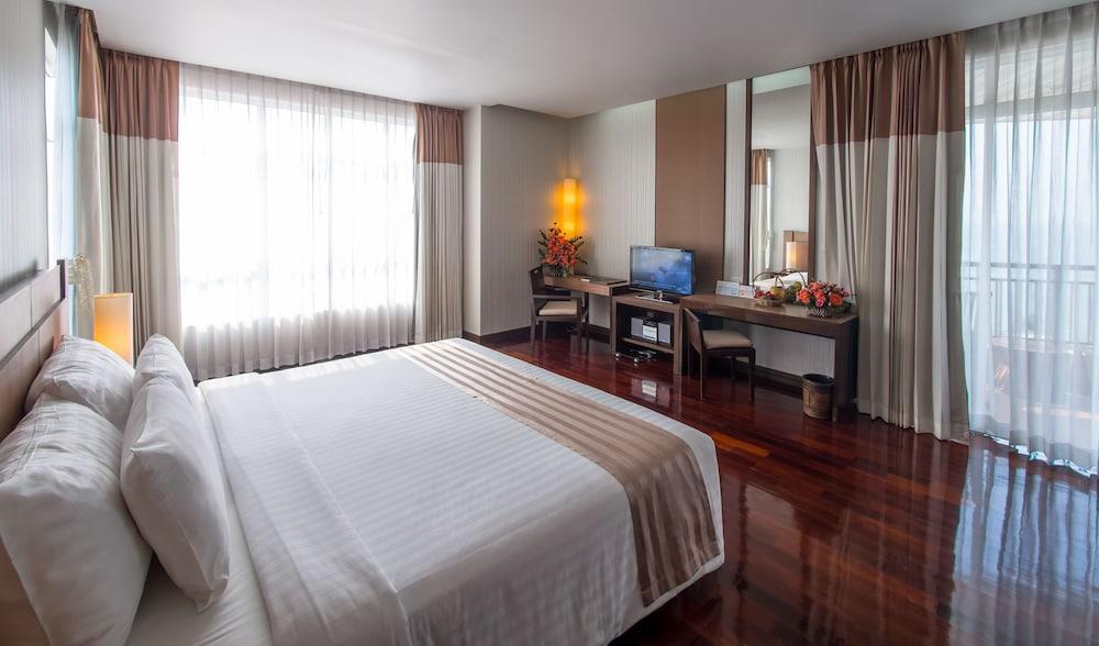image 1 at The Pattaya Discovery Beach Hotel Pattaya by 489 Moo 9, Sol 6/1 North Pattaya Beach Road Banglamung Pattaya Chonburi 20150 Thailand