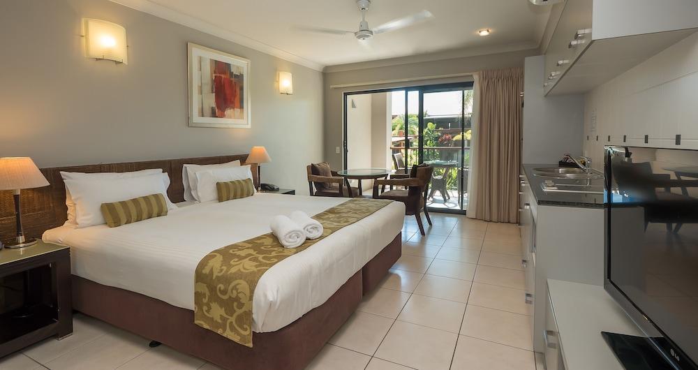 image 1 at Blue Lagoon Resort by 22 - 26 Trinity Beach Road Trinity Beach QLD Queensland 4879 Australia