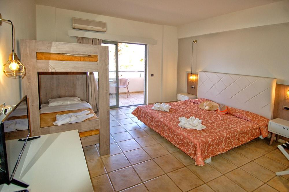image 1 at Gouves Bay Hotel - All Inclusive by Agiou Konstantinou, Crete Island Gouves Heraklion 70014 Greece