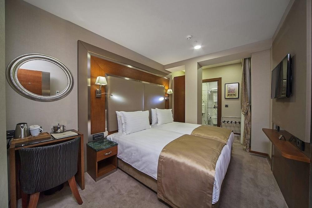 image 1 at Dosso Dossi Hotels Old City by Alemdar Mah Alay Köskü Cad No:12 Istanbul Istanbul 34110 Turkey