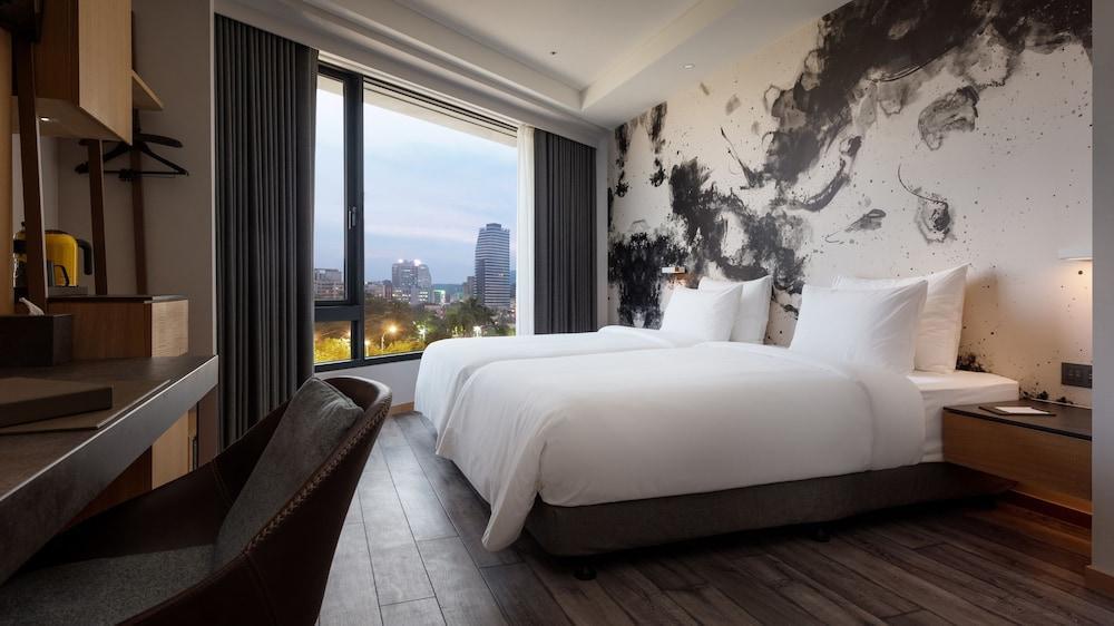 image 1 at Brio Hotel by No. 14-26, Zhongshan 1st Rd Xinxing District Kaohsiung 800 Taiwan