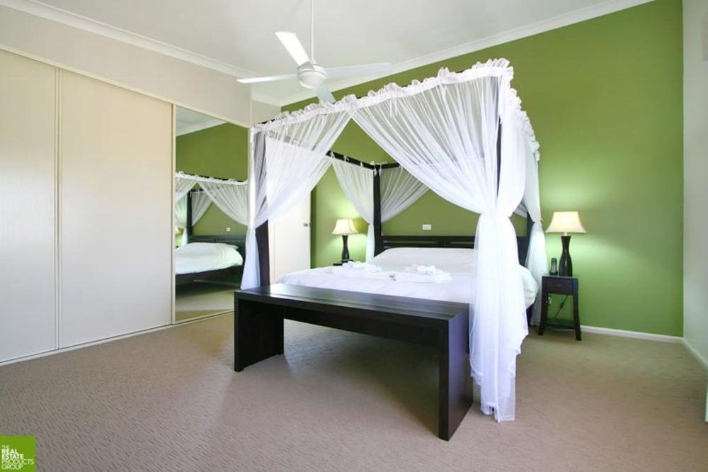 image 1 at Southview Boutique Guest House by 19 Southview Street Bulli NSW New South Wales 2516 Australia