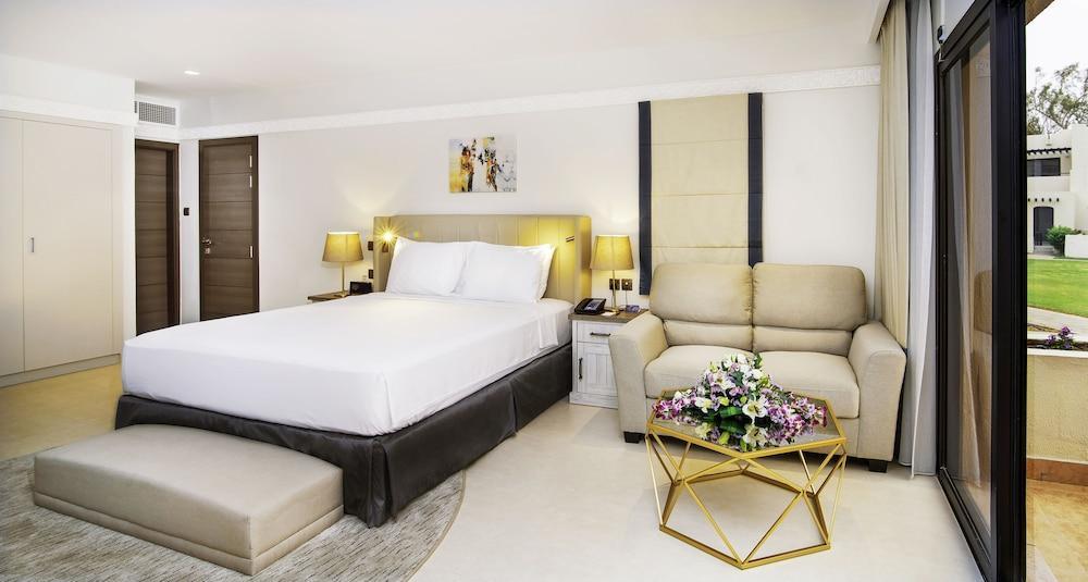 image 1 at Radisson Blu Hotel & Resort, Al Ain by Sarooj District, Hilton Road, Al Ain Al Ain Abu Dhabi 1333 United Arab Emirates
