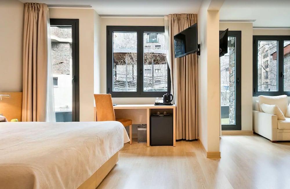 image 1 at Hotel Palomé by Carretera D Arinsal S/n La Massana 400 Andorra