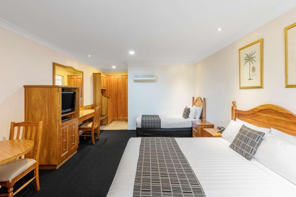 image 1 at Best Western Ambassador Motor Inn & Apartments by 313-315 Edward Street Wagga Wagga NSW New South Wales 2650 Australia
