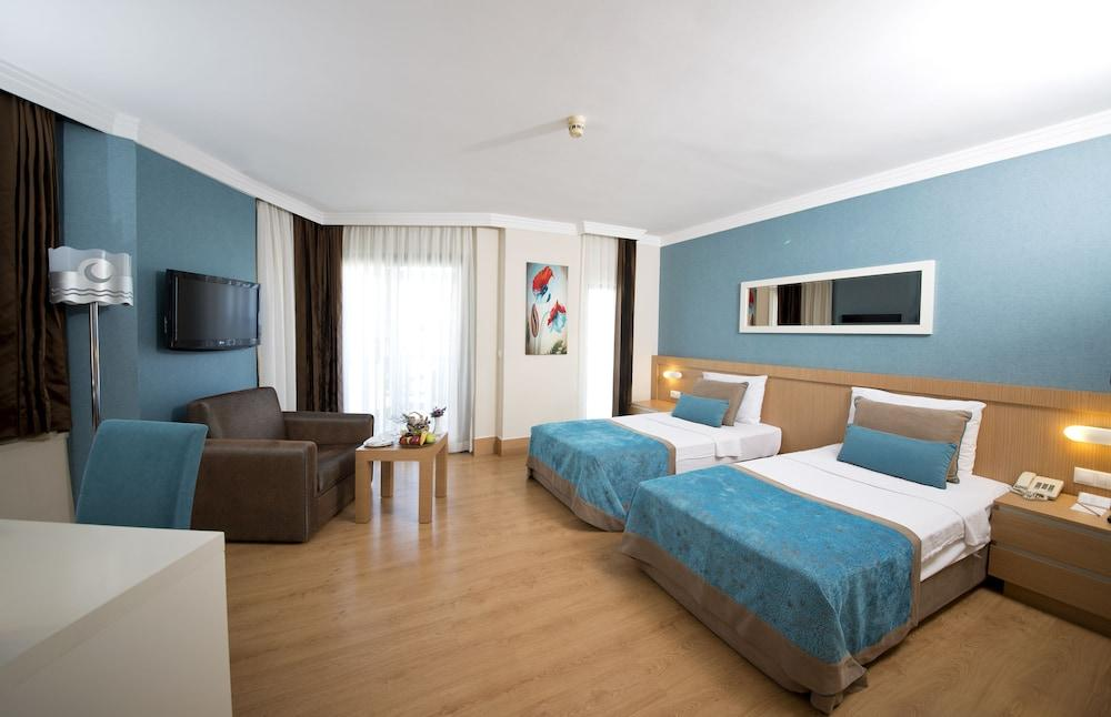 image 1 at Limak Limra Hotel & Resort - All Inclusive by Sahil Cd. Kiris Mh. No: 11 Kiris Kemer Antalya 76980 Turkey