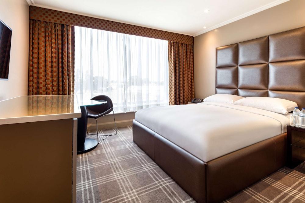 image 1 at Radisson Blu Edwardian Heathrow Hotel & Conference Centre, London by 140 Bath Road Hayes England UB3 5AW United Kingdom