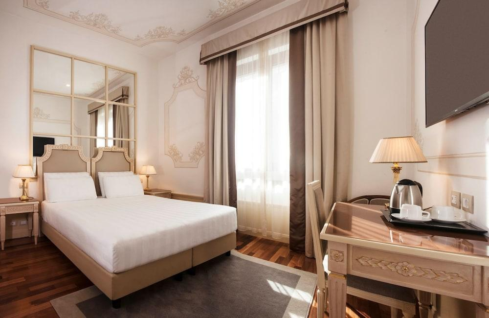 image 1 at Radisson Blu GHR Hotel, Rome by Via Domenico Chelini 41 Rome RM 00197 Italy