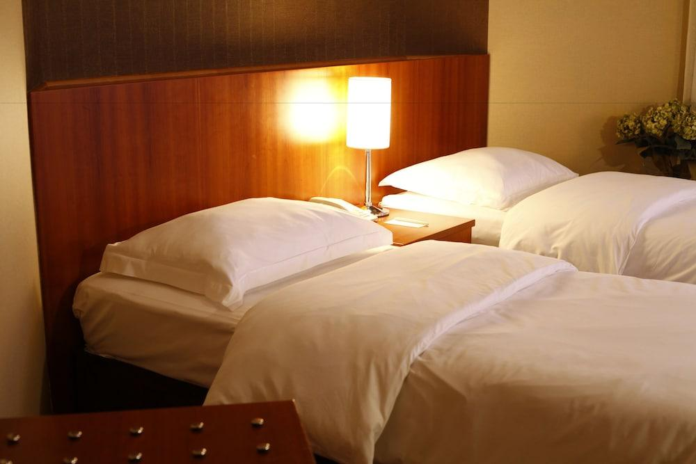 image 1 at Cinar Hotel by Yesilkoy Mh., Bakirköy Istanbul Istanbul 34149 Turkey