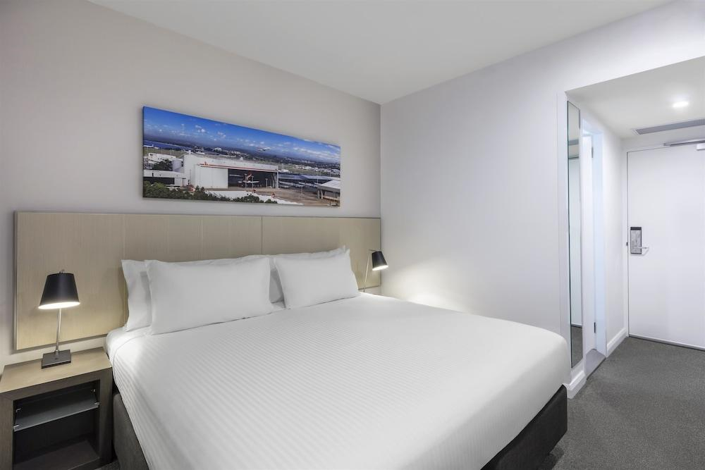 image 1 at Travelodge Hotel Sydney Airport by 289 King Street Mascot NSW New South Wales 2020 Australia
