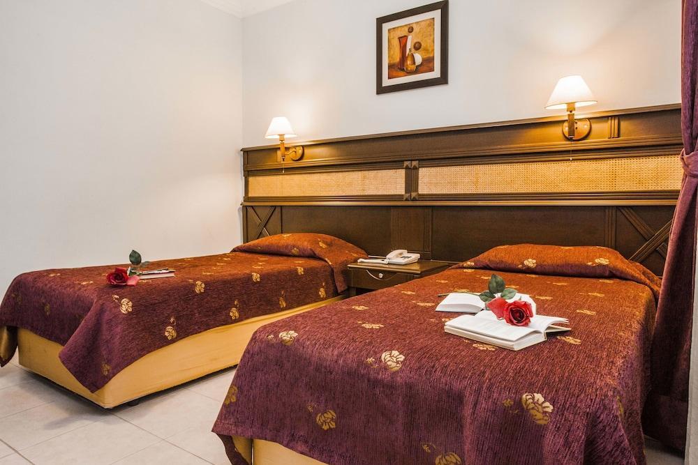 image 1 at Kleopatra Ada Hotel - All Inclusive by Dinek St. No:12, Kizlarpinari Str Alanya Antalya 07460 Turkey