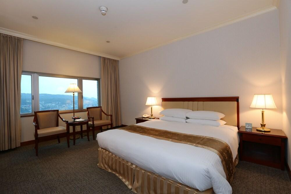 image 1 at Evergreen Laurel Hotel Keelung by 62-1, Chung Cheng Road Keelung 20248 Taiwan