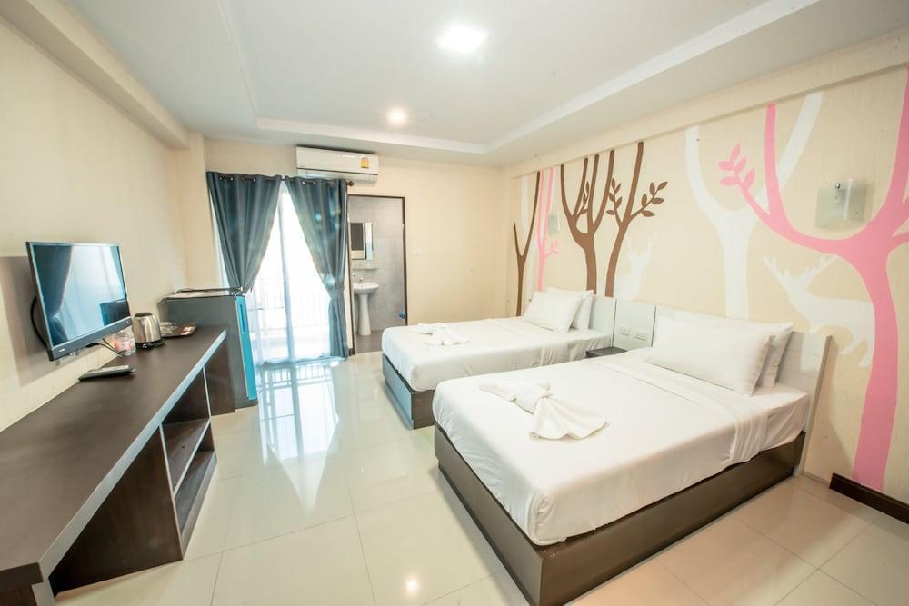 image 1 at Blue Sky Residence Airport by 88 Teparak Toad Bangphli Yai Bang Phli Samut Prakan 10540 Thailand