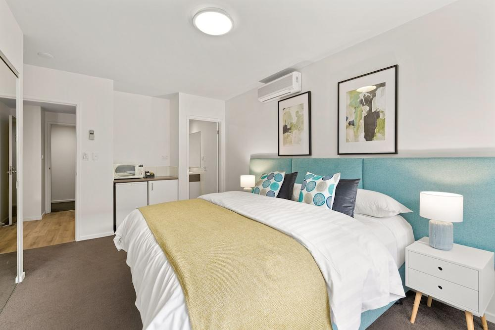 image 1 at Burwood Serviced Apartments by 300 Burwood Highway Burwood VIC Victoria 3125 Australia
