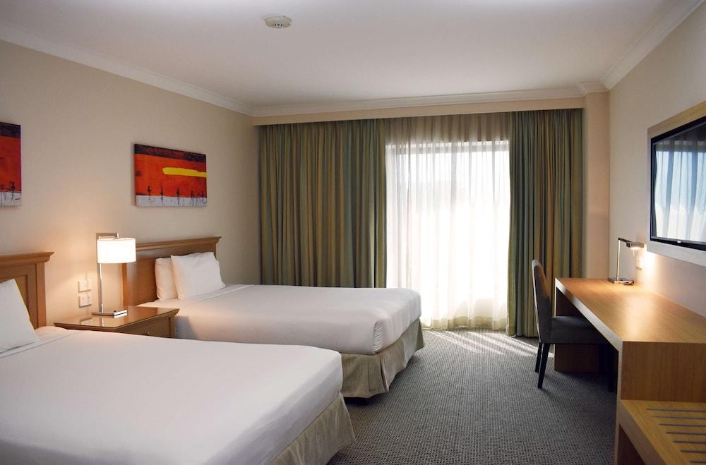 image 1 at Stamford Plaza Sydney Airport Hotel & Conference Centre by Corner Of Robey And O Riordan Mascot NSW New South Wales 2020 Australia