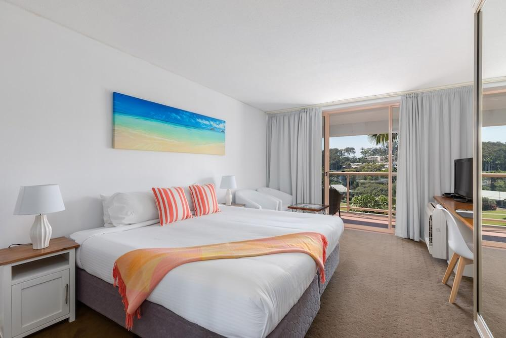 image 1 at Charlesworth Bay Beach Resort by 10 Bay Drive Coffs Harbour NSW New South Wales 2450 Australia