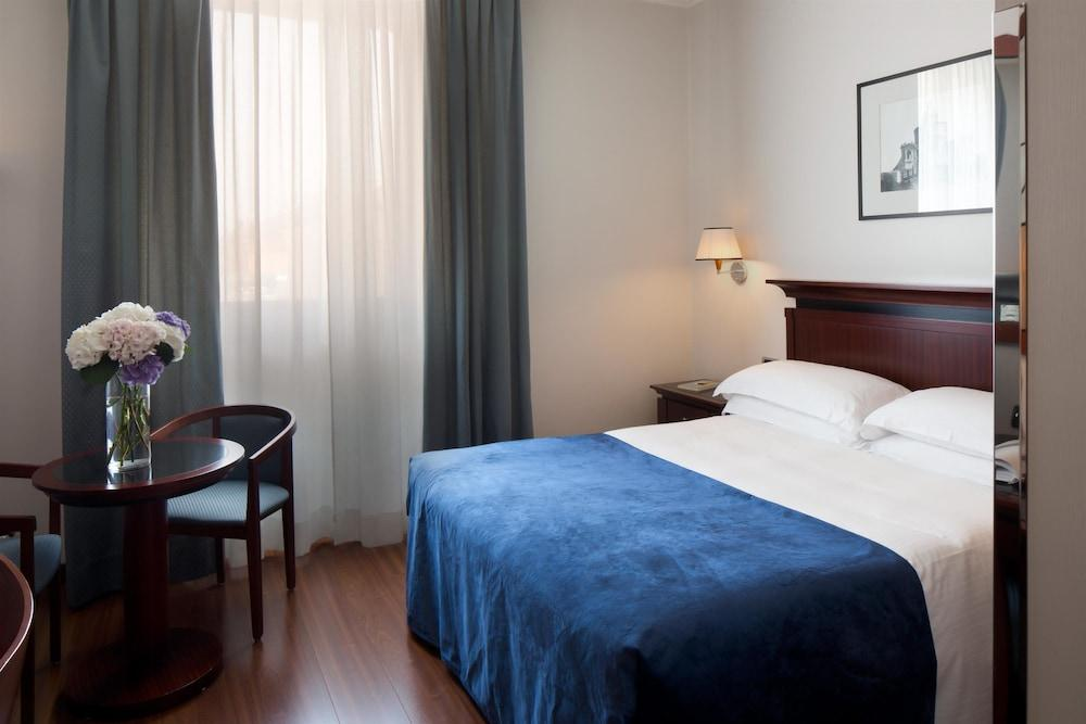image 1 at Starhotels Excelsior by Viale Pietro Pietramellara 51 Bologna BO 40121 Italy